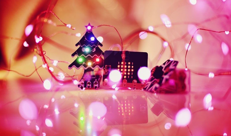RGB LED vánoční stromek pro micro:bit dekorace